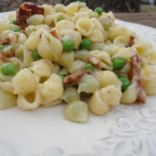 Creamy Mini Shell Pasta Salad With Bacon and Peas