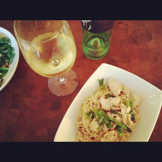 Stir Fried Soba Noodles with Chicken, Green Beans and Basil and the Oliver Winery Harvest Festival