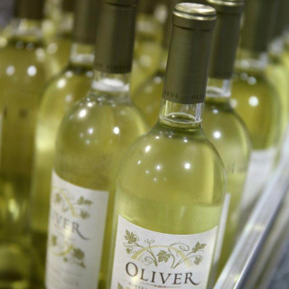 Oliver Winery- The Vine Series