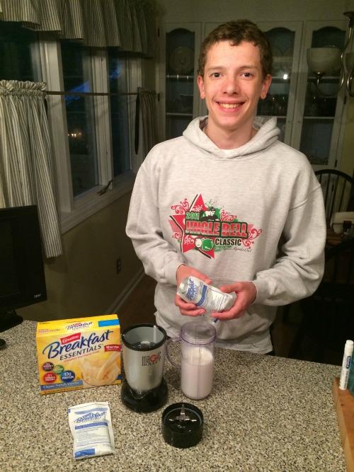 A DIY breakfast smoothie OR snack!
