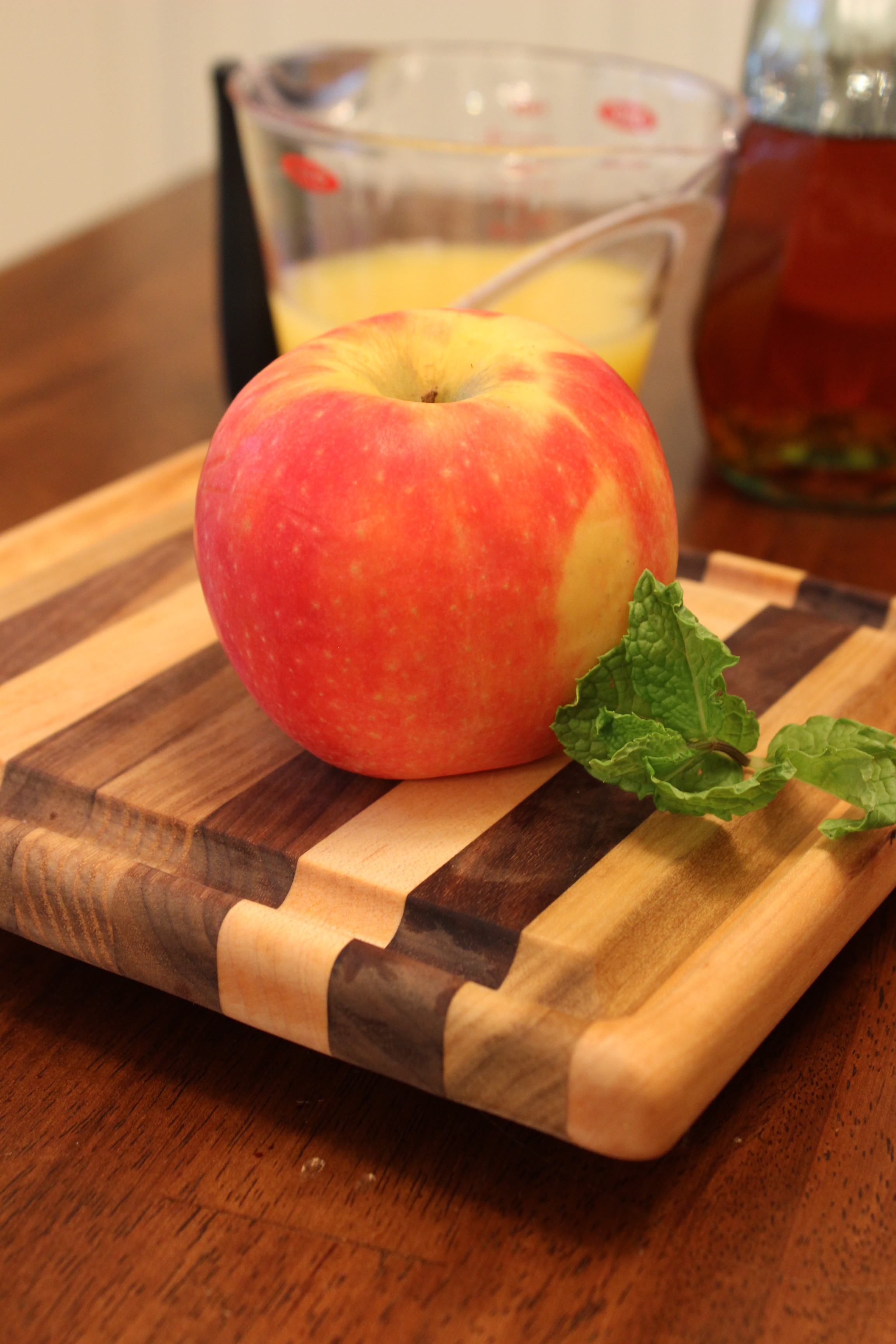For garnish- 1 chopped nectarine and a few mint leaves. I add the mint ...