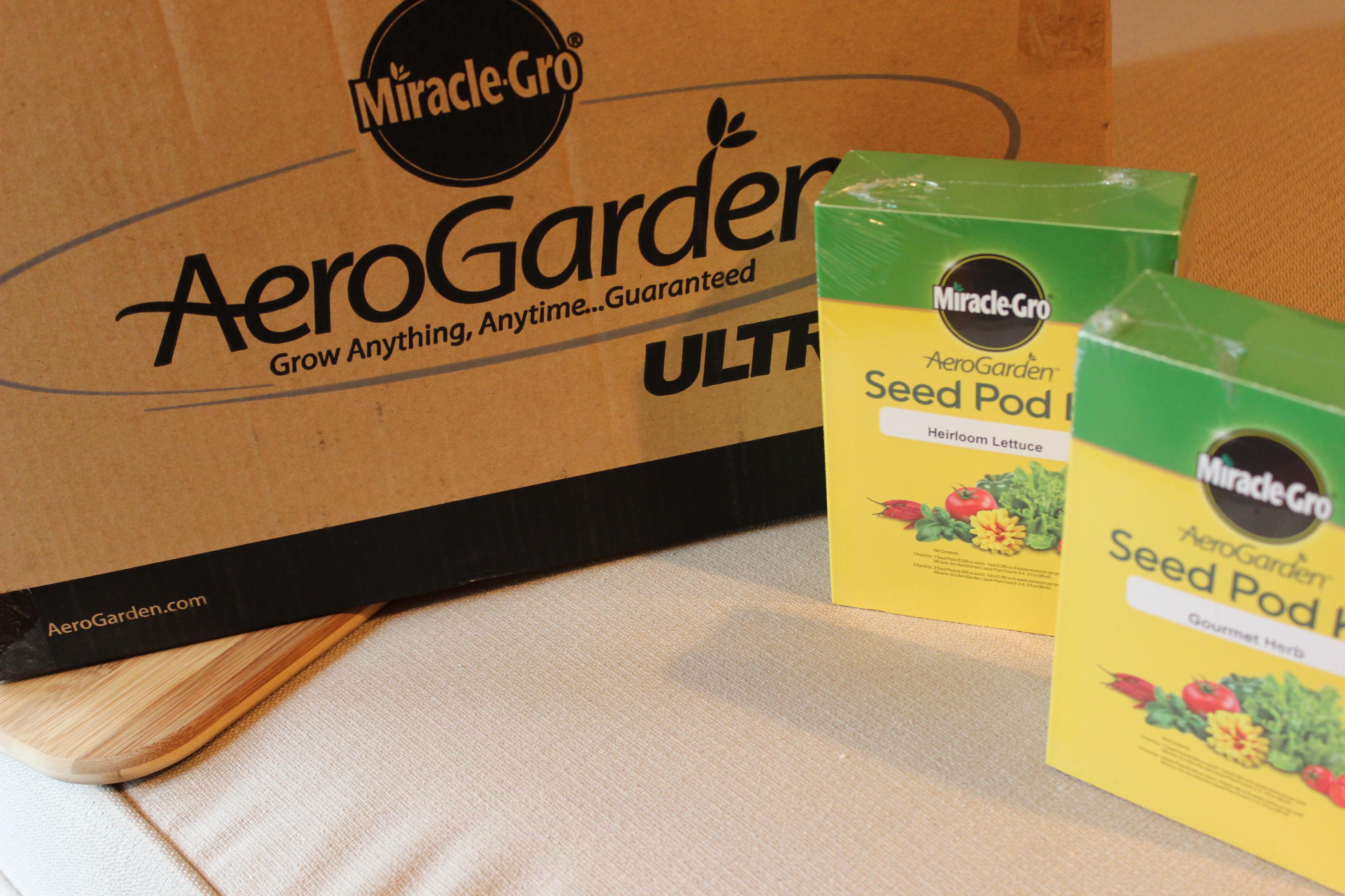 Miracle-Gro AeroGarden ULTRA LED Indoor Garden - Basilmomma
