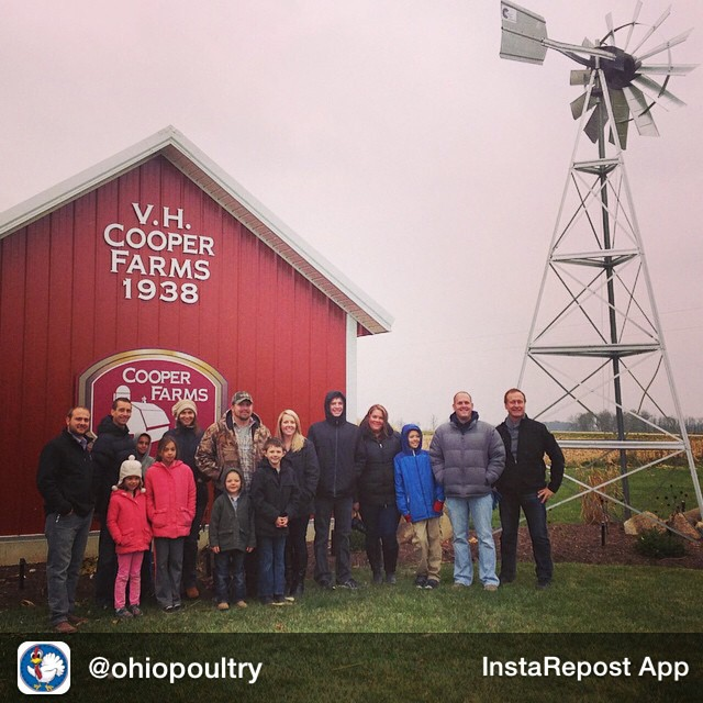 Repost from @ohiopoultry Welcomed food bloggers and their families to @cooperfarms_ today to meet the presidential turkey flock! Thanks for coming @lemonsforlulu @lizlovegrowswild and @basilmommaht . Here's everyone in front of the