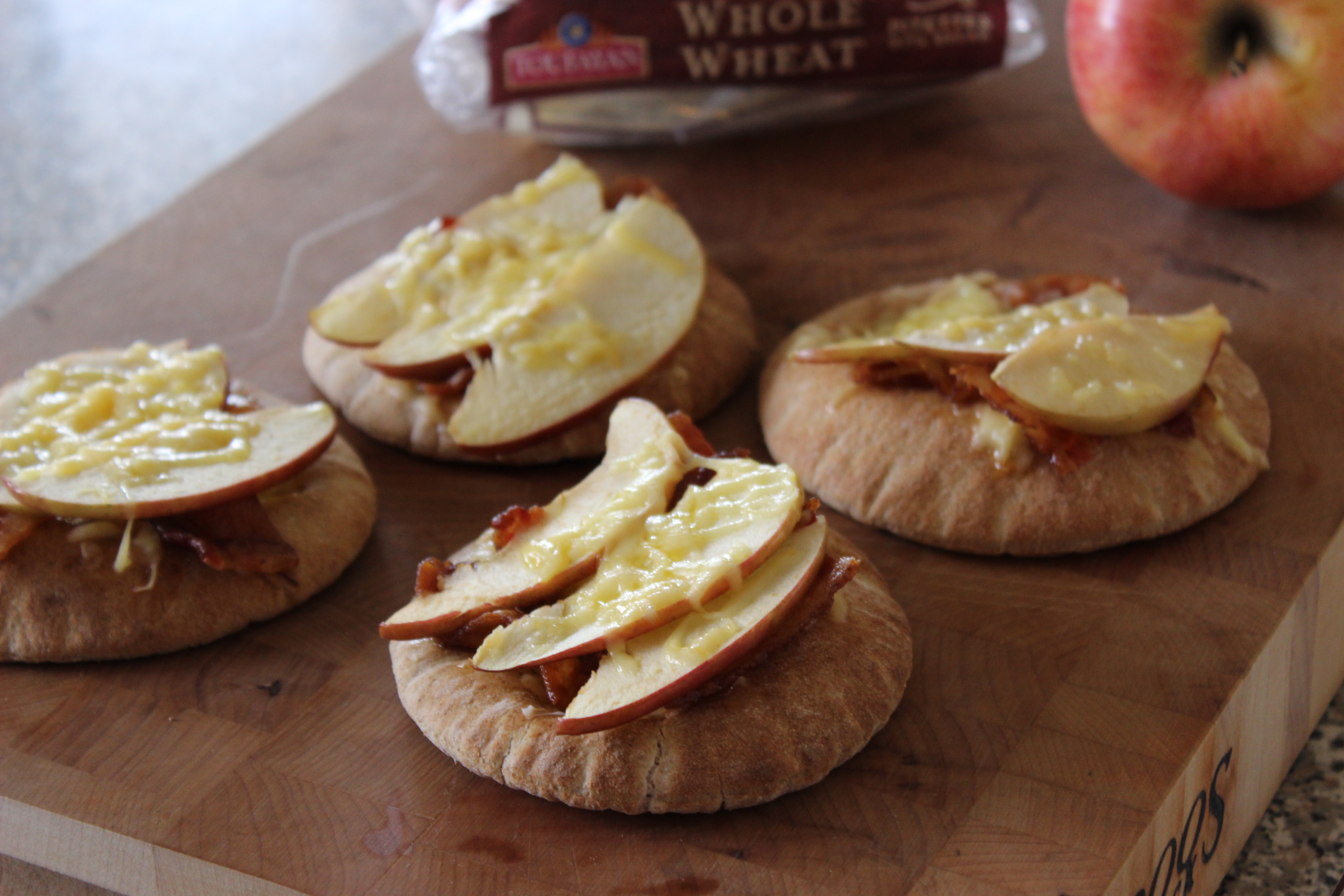Bacon, Apple and Gouda Pita Snacks
