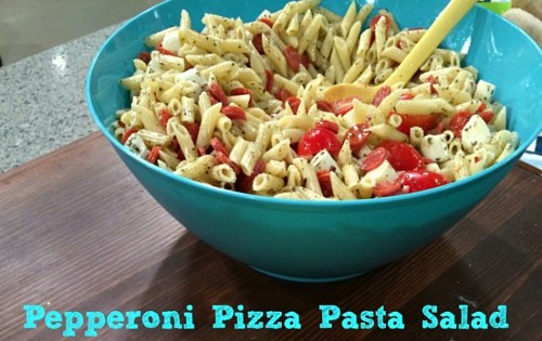 Pepperoni Pizza Pasta Salad - Recipe from @basilmomma at basilmomma.com