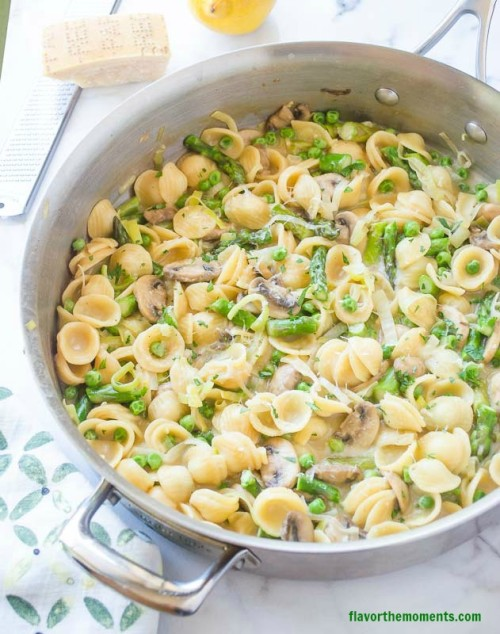 Pasta Primavera Skillet from Flavor the Moments - Part of a collection of One Pan Dinners on Basilmomma.com - These dinner recipes are all kid-friendly, made in one pan, and in under 30 minutes, making them perfect school night dinners for busy families!