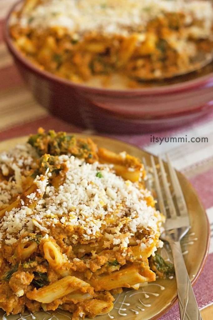 Low Fat Turkey Pumpkin Pasta Recipe from @itsyummi - 1 of 16 easy pumpkin recipes on basilmomma.com