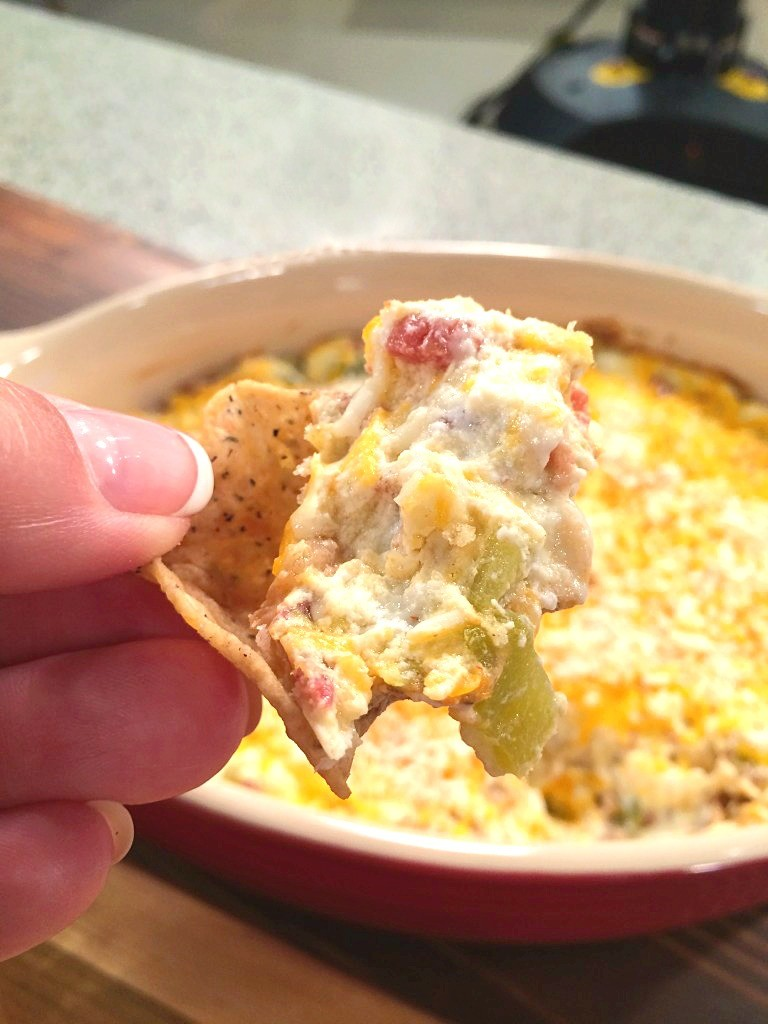 Hot Bacon and Cheese Dip - Recipe from @basilmomma #WinnersDrinkMilk #FarmsMatter