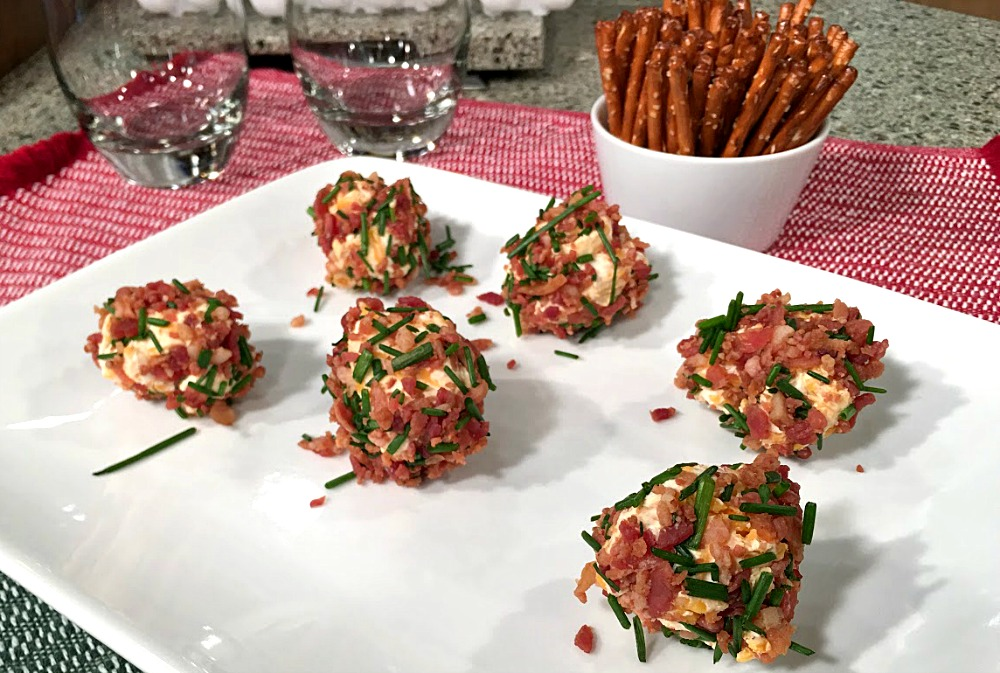 Bacon cheddar cheese ball bites are easy holiday appetizers or game ...