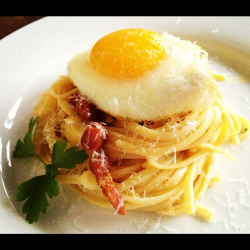Linguine Carbonara with a Fried Egg - Get the recipe on basilmomma.com