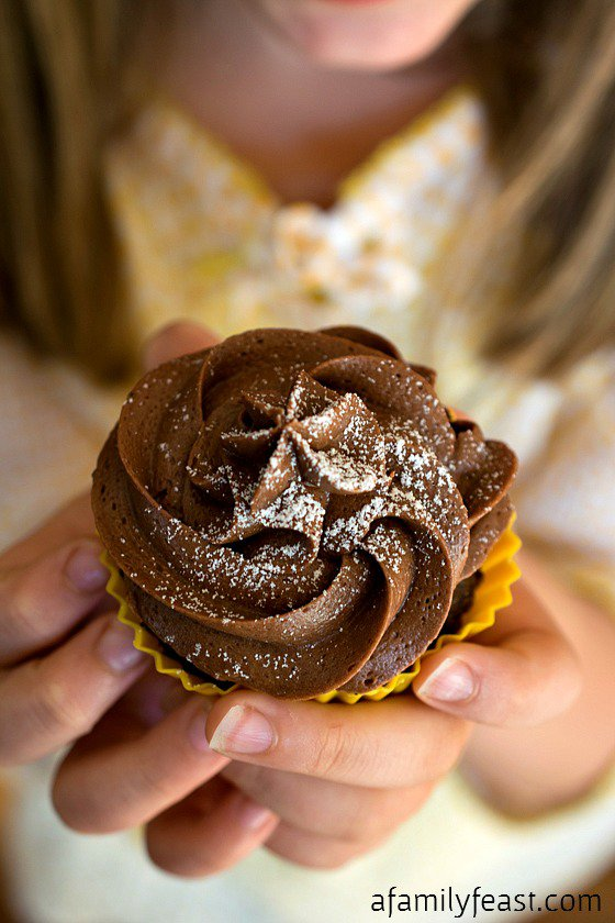 Chocolate Peanut Butter Cupcakes - Recipe from @afamilyfeast - Just in time for Peanut Butter Lover's Day!