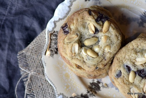Papa Bear's Chocolate Chip Cookies - A delicious and easy cookie recipe. Get it on basilmomma.com