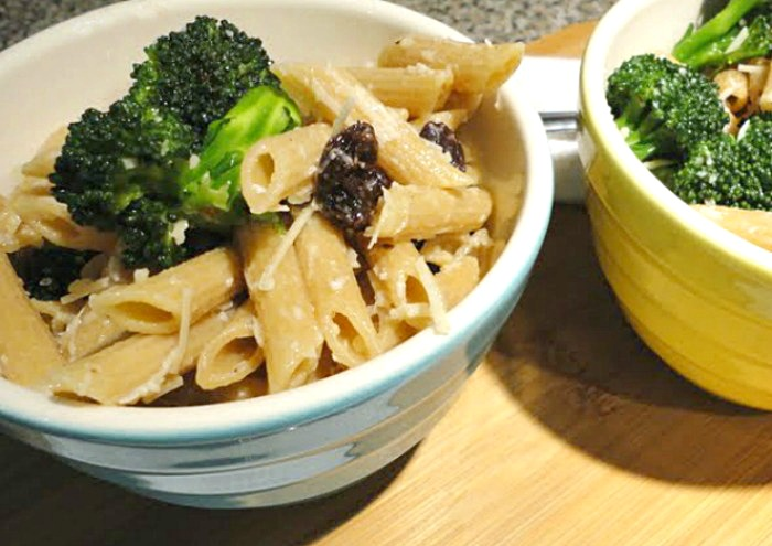 Healthy Broccoli Raisin Pasta Salad - kid friendly side dish!